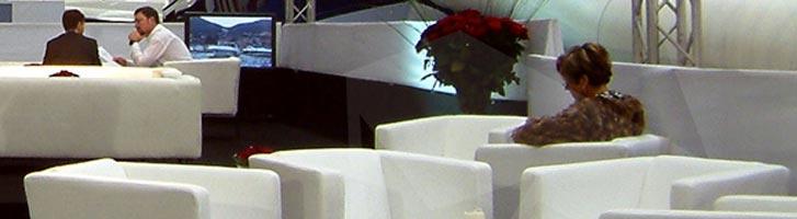 Noleggio poltrone roma for Noleggio arredi roma